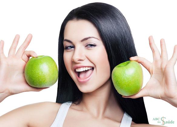 Ingestão de frutas e legumes na juventude protege contra aterosclerose coronária na maturidade